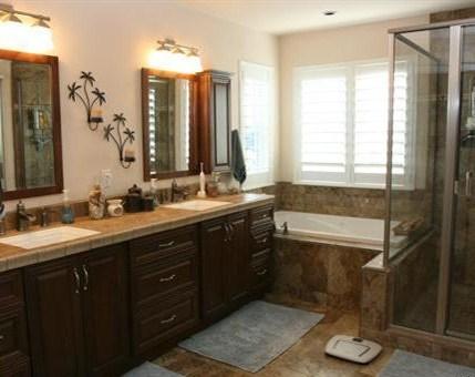 beautiful custom bathroom in Emerald Home design